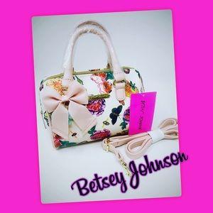 NWT XBODY Mini Floral Barrel Bag  SO CUTE 💋❤️💋